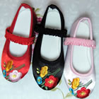 Girl's Large Plum Blossom Embroidery Shoes (Multicolor)