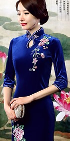 Elbow-sleeve Embroidery Velvet Cheongsam (RM)