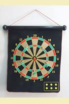 Magnetic Dartboard w/ Six Darts