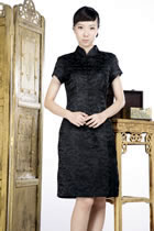 Short-sleeve Blessing Embroidery Midi Cheongsam Dress (Black)